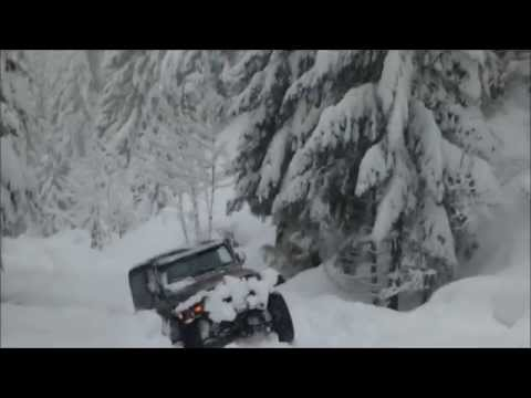 Deep Snow Trail Scouting on a Jeep Wrangler in Pacific Northwest Cascades of Oregon