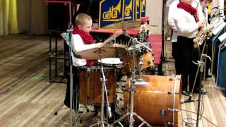 Drum solo - Daniel Varfolomeyev - 8 years - a small super drummer