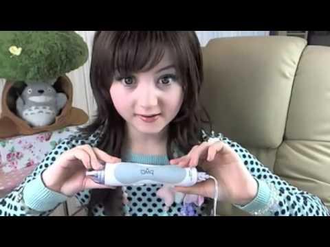بنت يابانيه تشبه اللعبه كيووت...