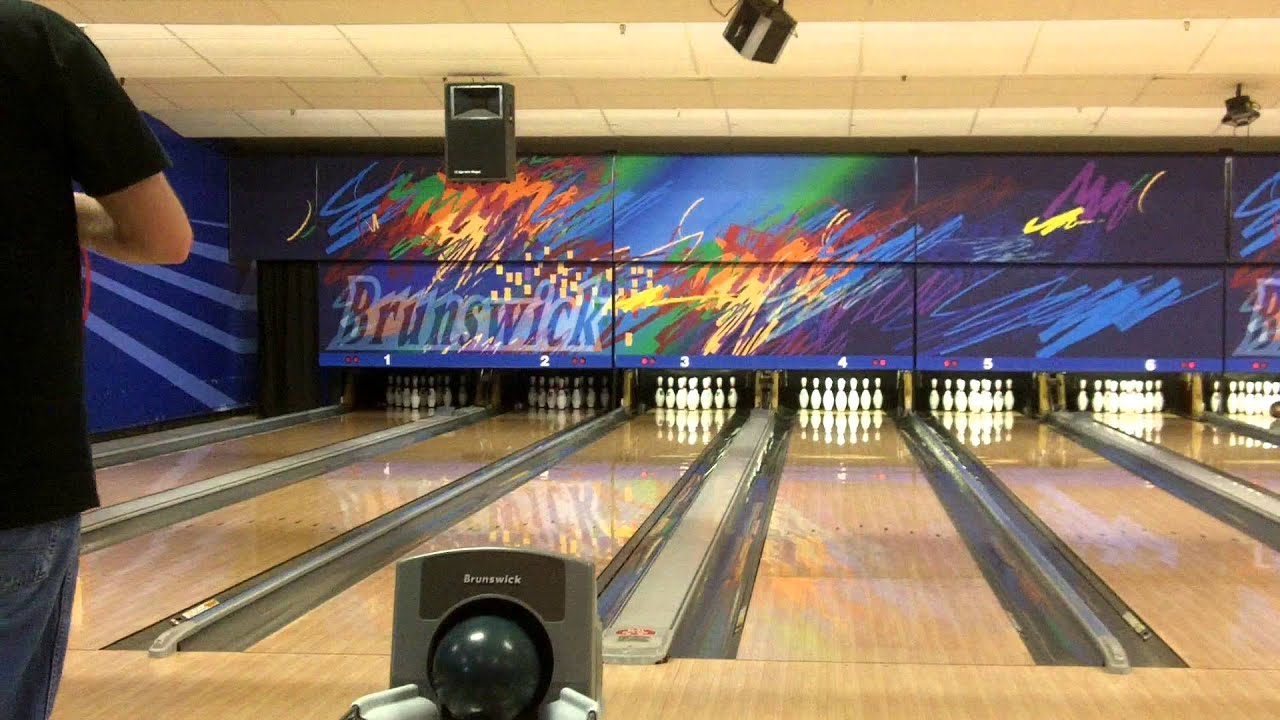 First Time Bowling in 2013! (Brunswick Zone - 1/10/13 ...
