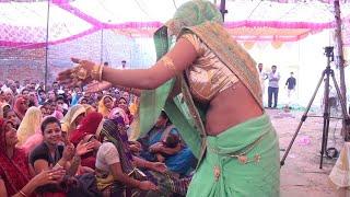 दुपहरी बिरमाई लेऊ जाइ बगिया में - क्या डांस करती है भाभी जी -vishesh sastri जी 9870640768