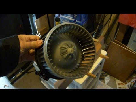 Blower Motor wheel removal for Auto Heater A/C Toyota Corolla 2007