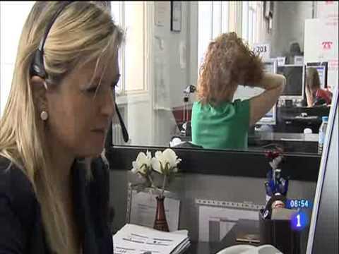 Tv1 - Los Desayunos - Informe Teléfono Anar 2013 video