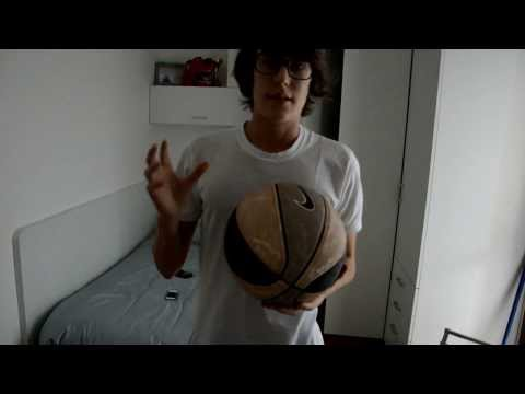 Spiegazione tutorial: come fare girare la palla sul dito how to spin a ball on finger dynamo's ball