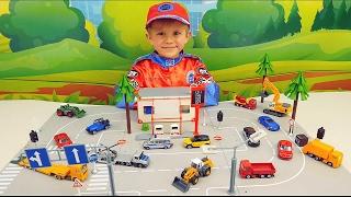 КЛАССНЫЕ МАШИНКИ SIKU - Даник строит автостанцию для МАШИНОК и играет в Полицию. Cool Cars