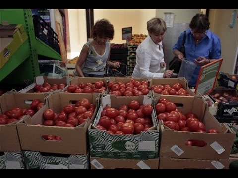 Russia hits West with food import ban in sanctions row