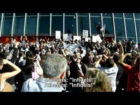 Atheists-chant-at-Muslim-protesters---2012-Atheist-Convention