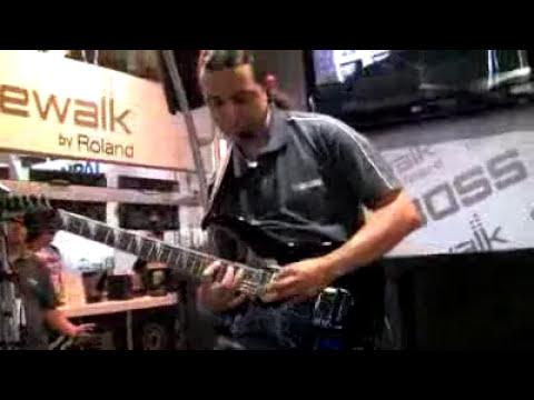 ME-25 na Expomusic 2010 - Parte 2.(240p_H.263-MP3).flv
