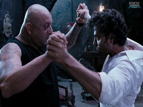 Climax fight scene between Sanjay Dutt and Hrithik Roshan -...