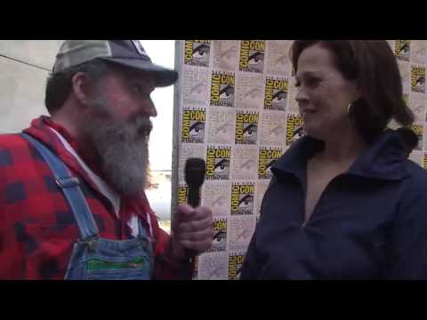 Red State Update With Avatar's James Cameron & Sigourney Weaver
