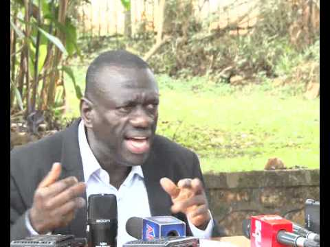 Besigye criticizes NRM politicians for doing nothing to dislodge Museveni
