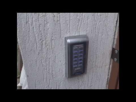 Кодовая панель и домофон в частном доме