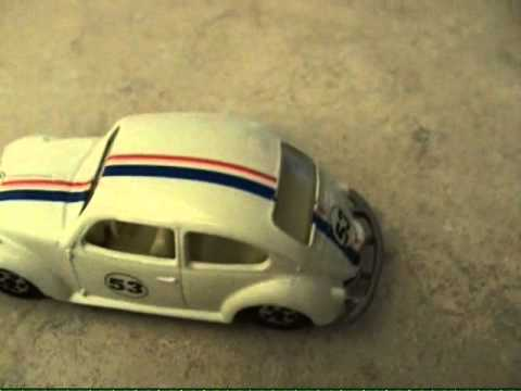 $2000 Matchbox Herbie The Love Bug vs 59Corvette.wmv