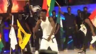 Shatta wale strips NAKED at Ghana Meets Naija 2015