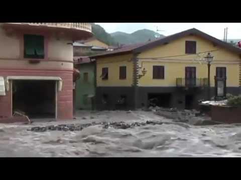 Italy News | Flash Floods Inundate Genoa