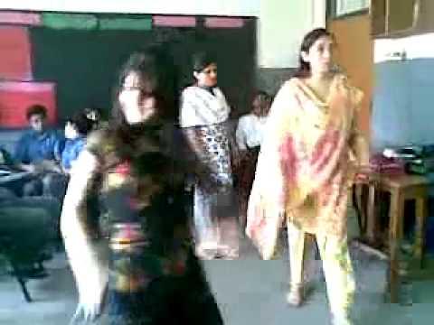 desi hot young pakistani girl Dancing sexy (seo4teach.blogspot.com)