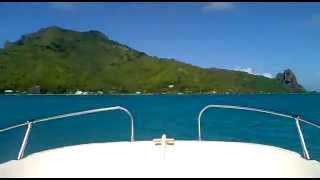 Flying a private touring aircraft from Tahiti to Maupiti French Polynesia (F.PORCHER - 6/14)