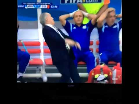 "Argentina coach ""faints"" after ball hits the post"