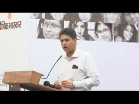 Manish Tewari at Artscapes - Women Artists' Art Exhibition 2013