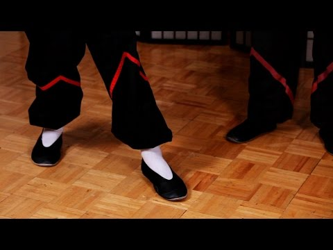 How to Do Seung Ma aka Advancing Step | Wing Chun