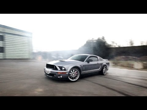 Ford Mustang Shelby GT500 Burnout
