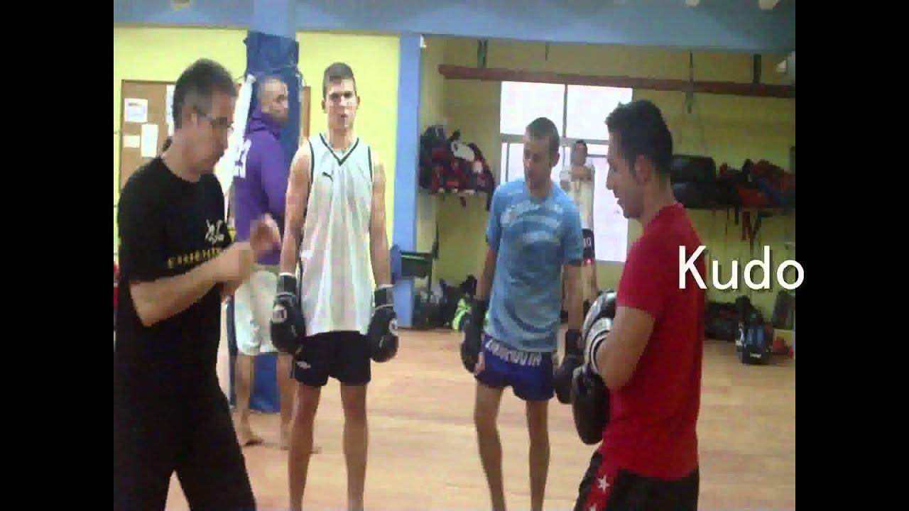 Gimnasio artes marciales barcelona taekwondo kudo for Gimnasio barcelona