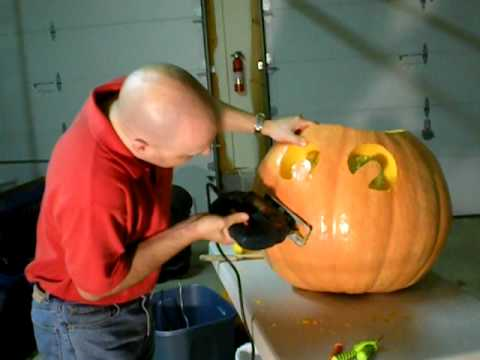 Carving my Giant Pumpkin with a Black and Decker Jigsaw - Power Tools Pumpkin Carving
