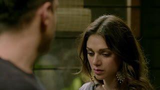 'TU MERE PAAS' Video Song | WAZIR Movie | Farhan Akhtar, Aditi Rao Hydari, Amitabh Bachchan