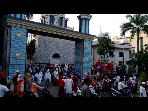 Batam Masjid Raya Baitussakur after Eid prayers