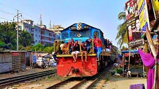 Bangladesh Railway. Locomotive BR-2916 Hyundai Rotem meets the Demu train / Хёндэ втречает Дёму