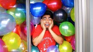 CRAZY 1000 BALLOONS IN A BATHROOM EXPERIMENT!