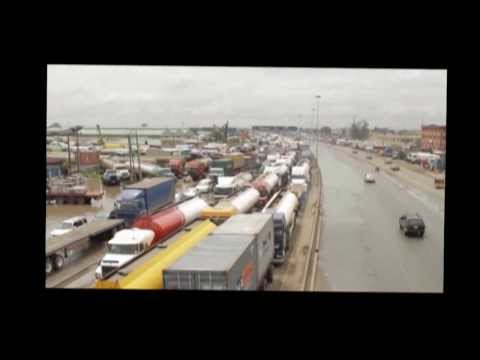Trucks block Oshodi Apapa expressway 1
