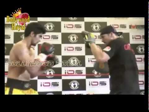 Vijendra Singh & Trainer Lee Beard at Live Training Session of India Part  2