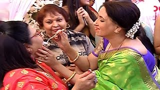 Shahnaz Rizwan AKA Mrs Bhalla Celebrates Her Birthday On The Sets Of 'Yeh Hai Mohabbatein'