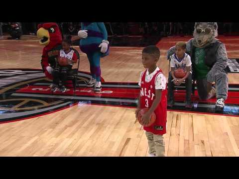 Watch Lil' Chris Paul throw down the alley-oop dunk from Kevin Hart during NBA All-Star Weekend 2016. More videos at http://www.Clippers.com.