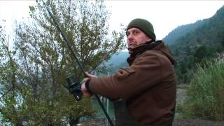 ***CARP FISHING TV*** Winter Carping on the River Ebro Spain...