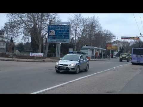 Севастополь, стратегический въезд в центр города, полдень, 2 марта 2014