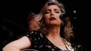 Watch Emmylou Harris Woman Walk The Line video