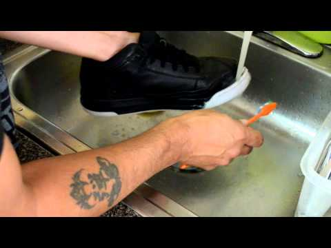 how to clean icy soles with household items