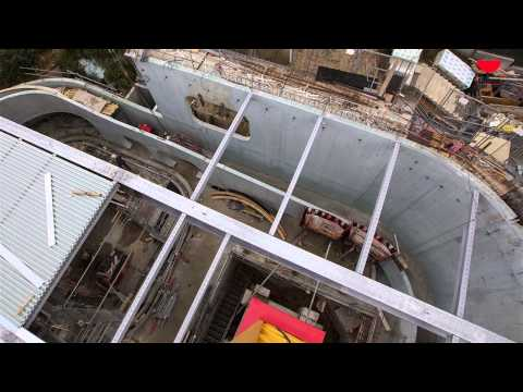Chantier de la piscine d 39 issy les moulineaux youtube for Piscine issy les moulineaux