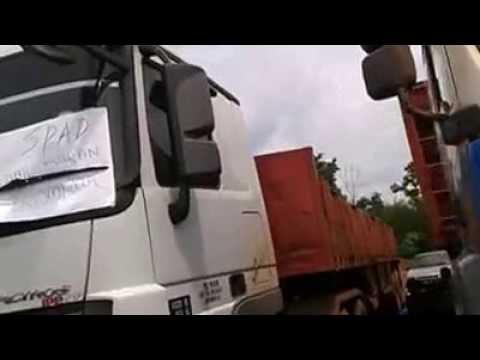 Ratusan Pemandu Lori Mogok Di Kuantan