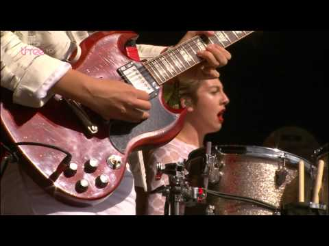 HAIM - Glastonbury 2014 Falling , If I Could Change Your Mine , Forever , The Wire + Interview