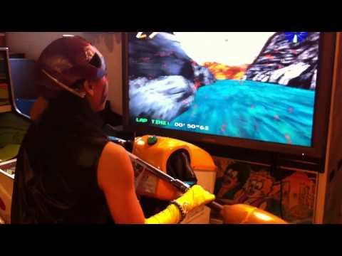 ヒーロー&怪人対抗アーケードゲーム選手権大会  ラピッドリバー:かなり美人の怪人選手