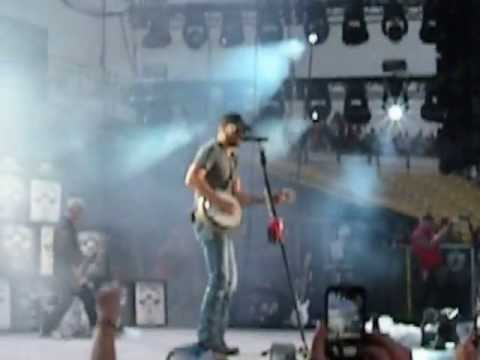 Eric Church creepin Opening For Columbus Ohio At The Kenny Chesney Tour 6-29-13 video