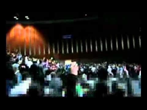 نوای خس و خاشاک در دبی - کنسرت استاد شجریان سبز شد. Music Videos