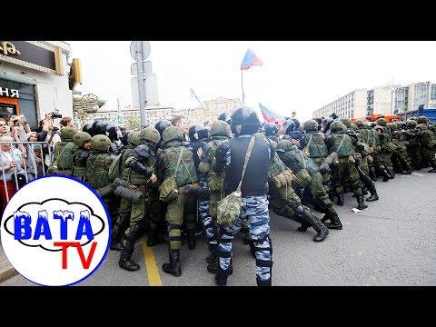 Как Россия День России отмитинговала