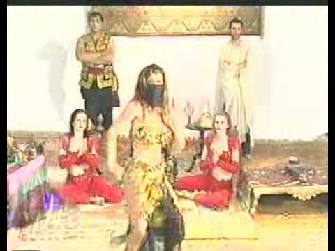 Hot And Sexy Turkish Belly Dancer Mezdeke Dancing video