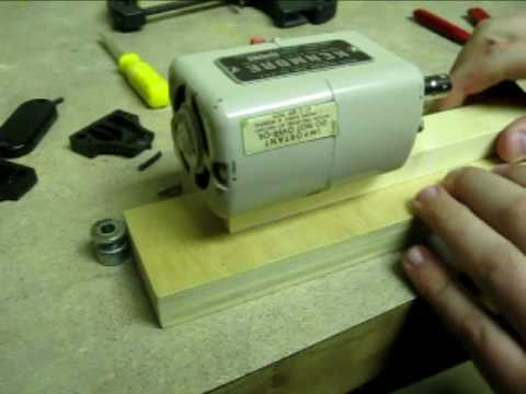 Micro Wood-Lathe: How to make it with a SEWING MACHINE MOTOR
