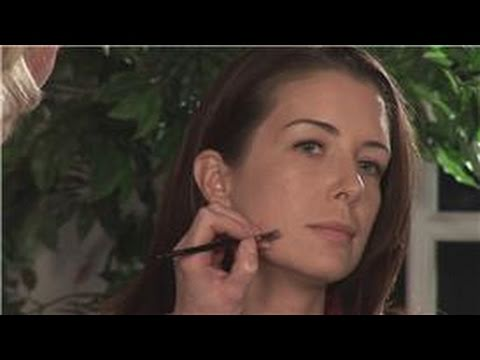 Makeup Tutorials : How to Hide Acne Scars With Makeup