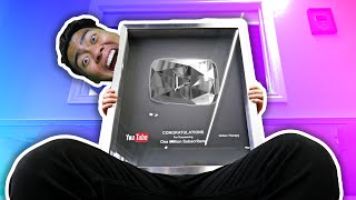 GETTING THE DIAMOND PLAY BUTTON! | YouTubers Life #2